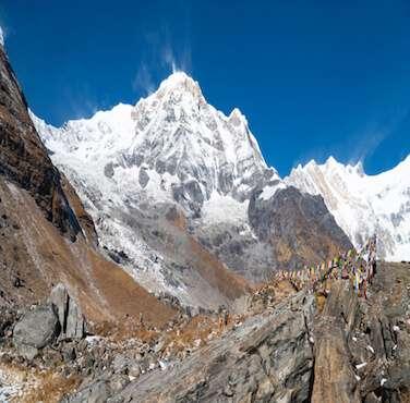 Annapurna Region Trekking - Himalayan Frozen Adventure