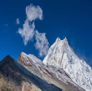 Manaslu Region Trekking - Himalayan Frozen Adventure